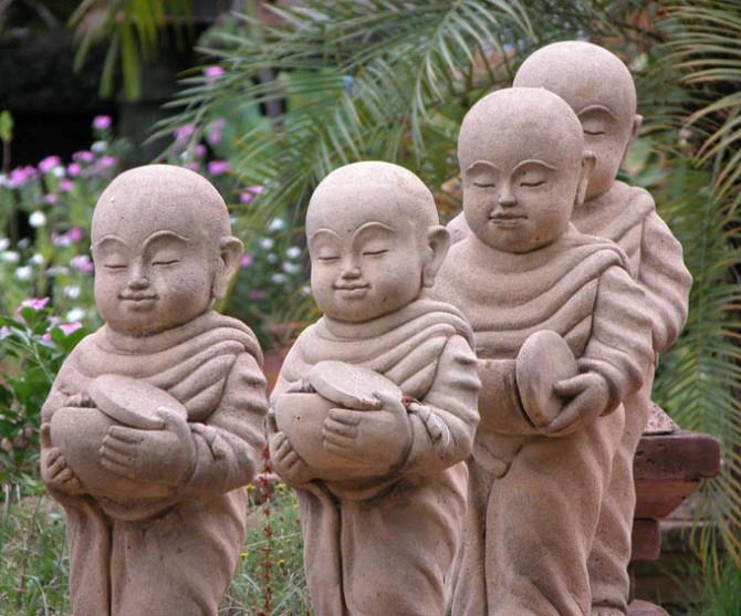 Garden monks, Chiang Mai, Thailand