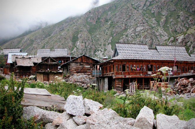 Chitkul houses constructed of wood and stone, with slate quarried locally on the roof of most of them.