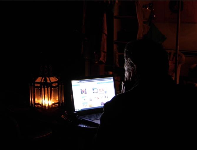PeterComputerLight 72