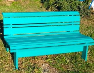 Painted hobbit seat